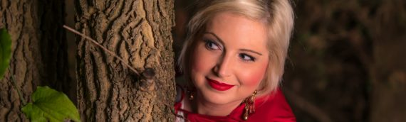 Model Photography – Little Red Riding Hood